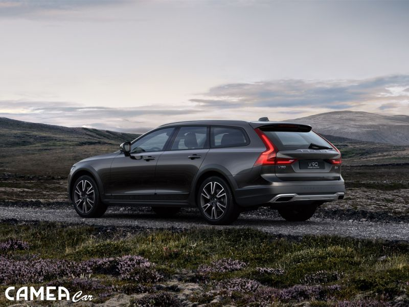 VOLVO V90Cross Country D4 140kW AWD AT8 Momentum