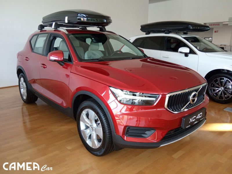 VOLVO XC40 T4 AWD 140kW AT8 MOMENTUM