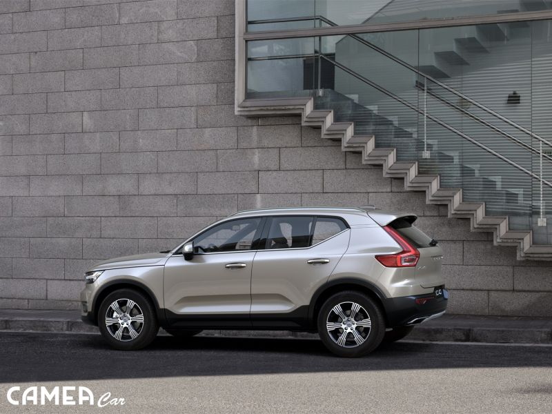 VOLVO XC40 T4 AWD 140kW AT8 INSCRIPTION Rezervované!