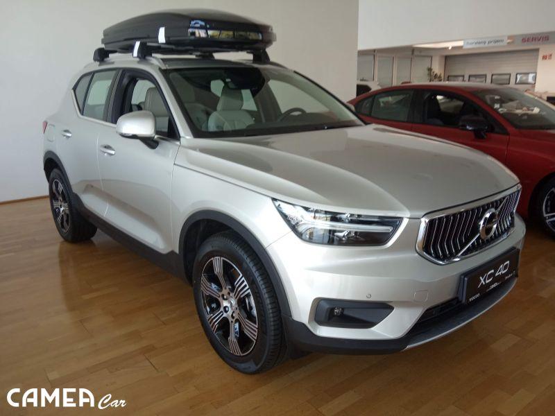 VOLVO XC40 T4 FWD 140kW AT8 INSCRIPTION