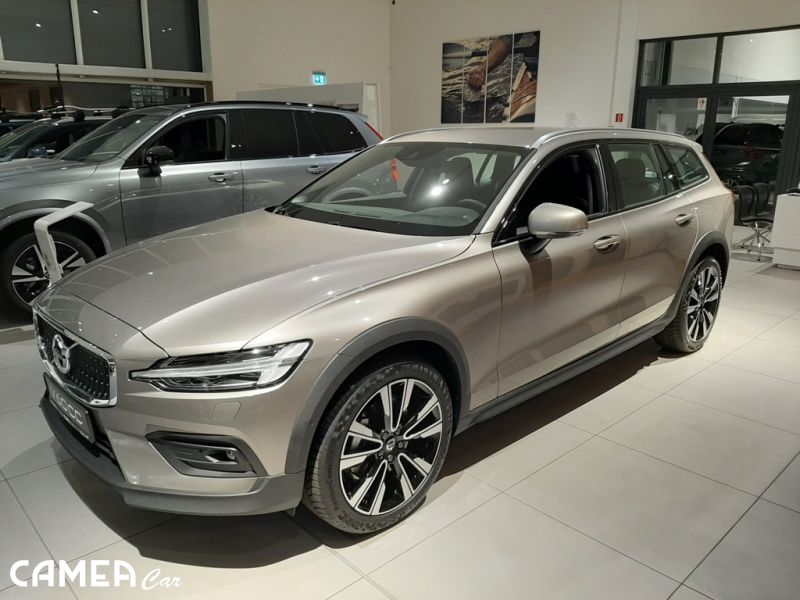 VOLVO V60Cross Country PRO D4 AWD 140kW AT8