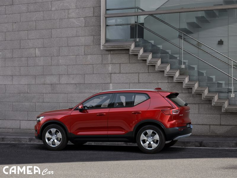 VOLVO XC40 T3 FWD 120kW AT8 MomentumPRO         AKCIA!