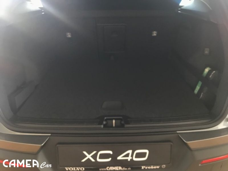 Volvo XC40 D4 AWD 140kW AT8 Momentum