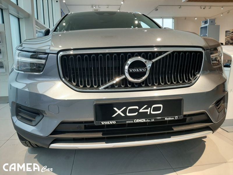 VOLVO XC40 T4 FWD 140kW AT8 Momentum AKCIA!!!
